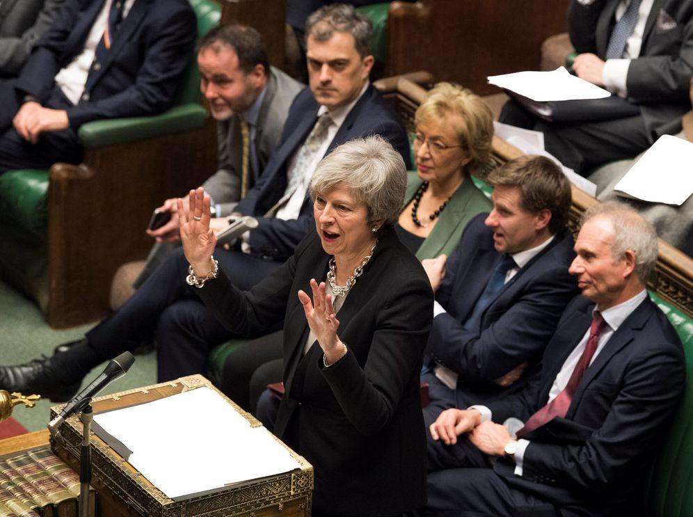 Foto: La 'premier' Theresa May durante su intervención en el debate en el Parlamento, en Londres. (Reuters)