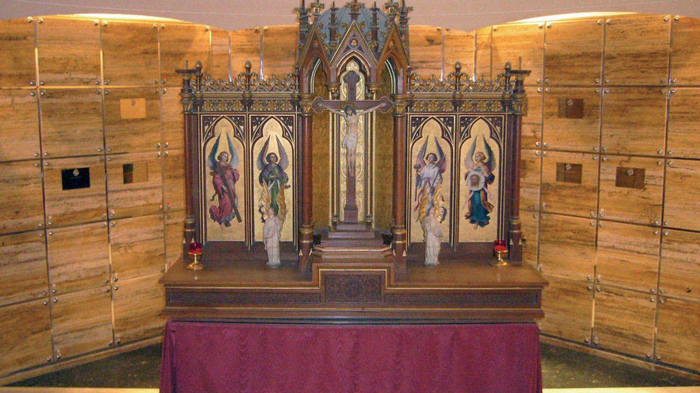 Cripta de los columbarios de la Congregación de Mena. (www.cofradiamena.es)