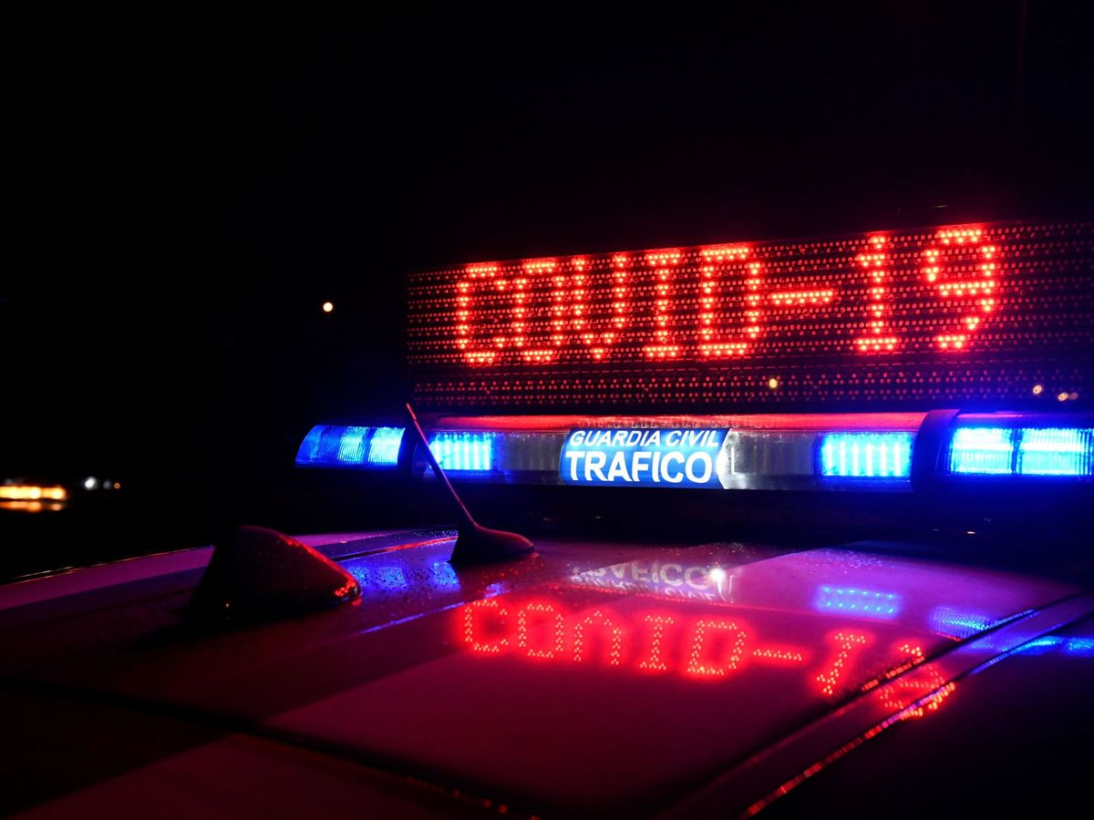 Foto: La Guardia Civil sigue realizando controles en las carreteras de toda España (EFE/Victor Lerena)