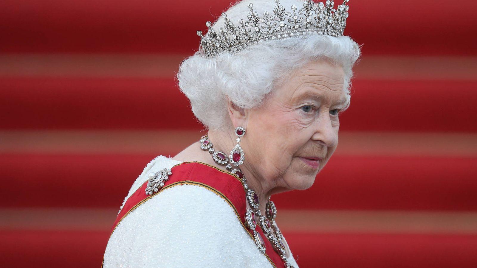 Foto: La reina Isabel II durante una visita a Berlín. (Getty)