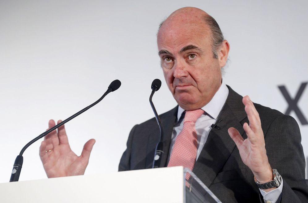 Foto: El ministro español de Economía, Luis de Guindos, avisa de que bloquearán el pago. (EFE)