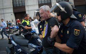 El abrumador despliegue policial silencia la protesta con 11 detenidos