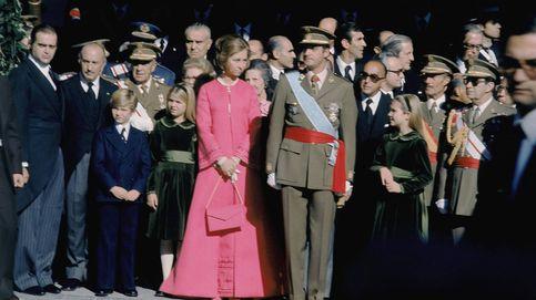 Todos los secretos del look de doña Sofía en la coronación de don Juan Carlos
