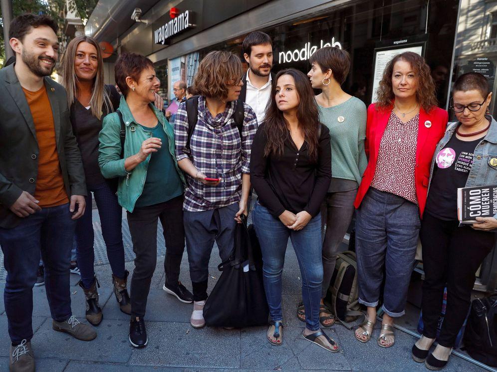 Foto: Políticos independentistas dan su apoyo a los CDR el pasado septiembre ante la Audiencia Nacional. (EFE)