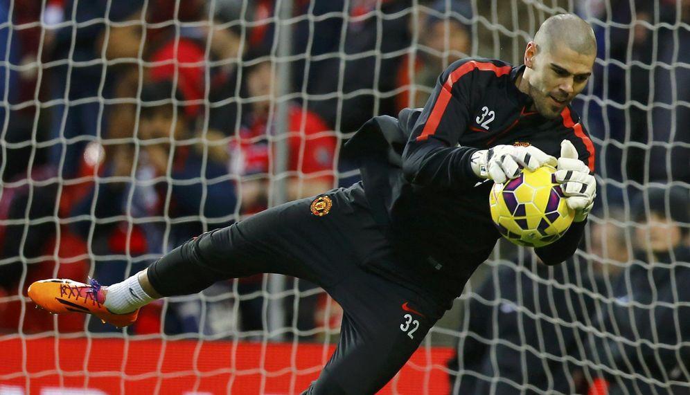 Foto: Víctor Valdés puede abandonar el Manchester United en cualquier momento (Reuters)