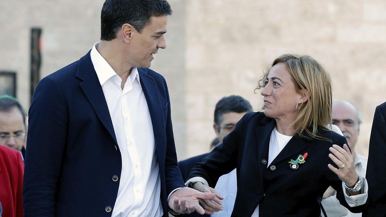Foto: Pedro Sánchez junto a Carme Chacón, actual secretaria de Relaciones Internacionales (EFE)