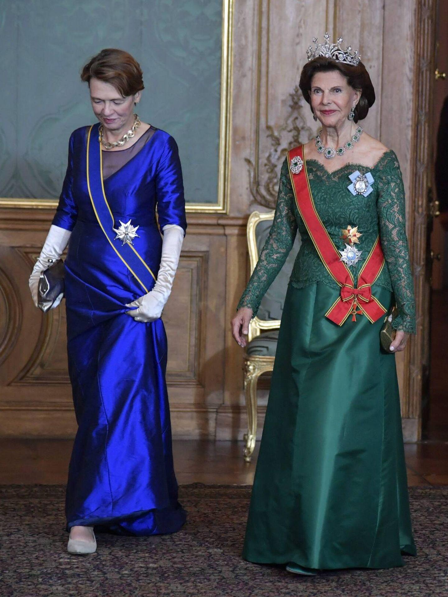 La reina Silvia, junto a la esposa del presidente alemán. (Cordon Press)