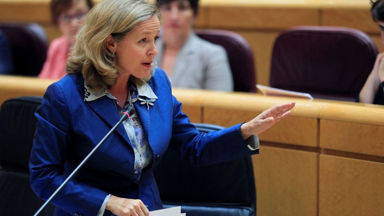 Foto: La ministra de Economía en funciones, Nadia Calviño, en el Senado. (EFE)
