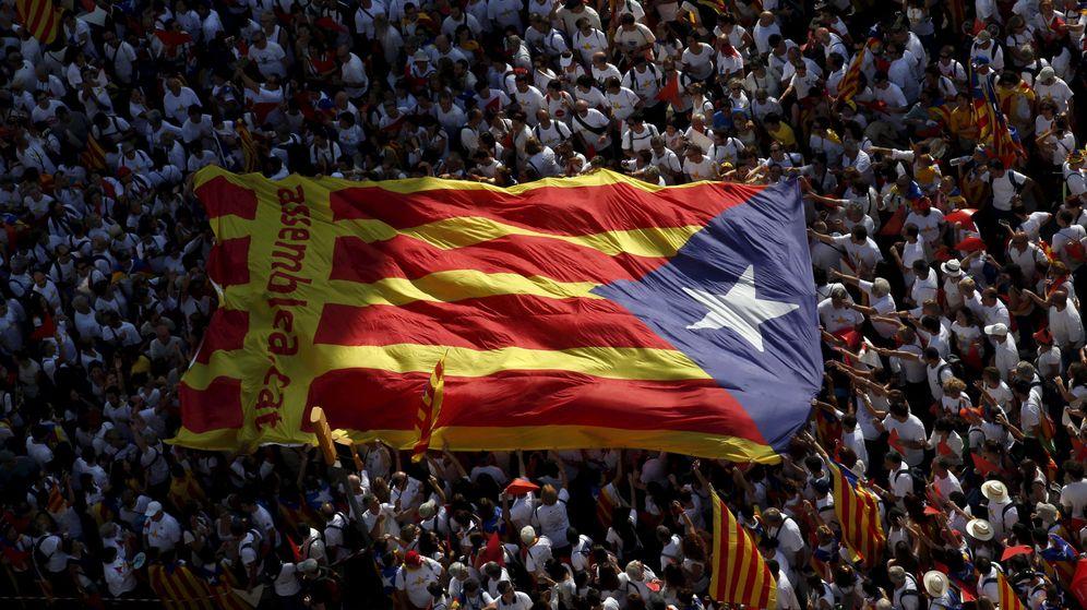 Foto: La estelada, en la manifestación de la Diada de 2015 en la ciudad de Barcelona. (Reuters)
