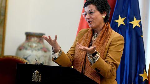 La ministra cabrea a los diplomáticos por no repartir destinos en pleno covid-19