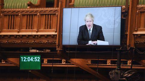 Boris Johnson no quiere ser Carlos I: así busca el 'premier' salvar su cuello político