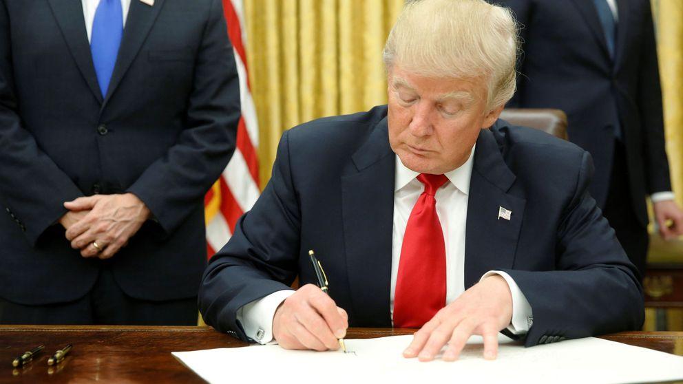 Primera orden ejecutiva de Trump: empezar a desmantelar el Obamacare