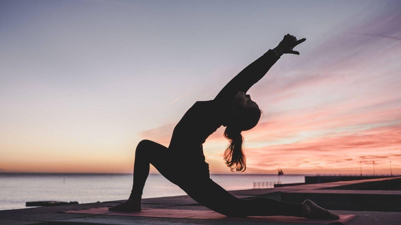 Todo estilo de vida sano debe contar con el ejercicio físico (Unsplash)