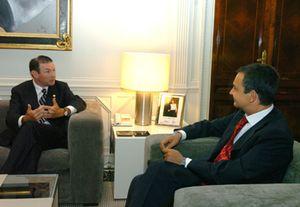 Ibarretxe se reúne hoy con Zapatero en Moncloa para apoyar los Presupuestos Generales del Estado