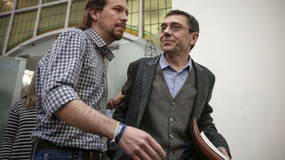 Foto: Juan Carlos Monedero (d) y Pablo Iglesias (i). (EFE)