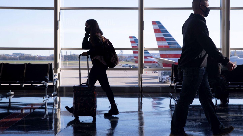 La mujer tenía prohibido el acceso a los aeropuertos (EFE/MICHAEL REYNOLDS)