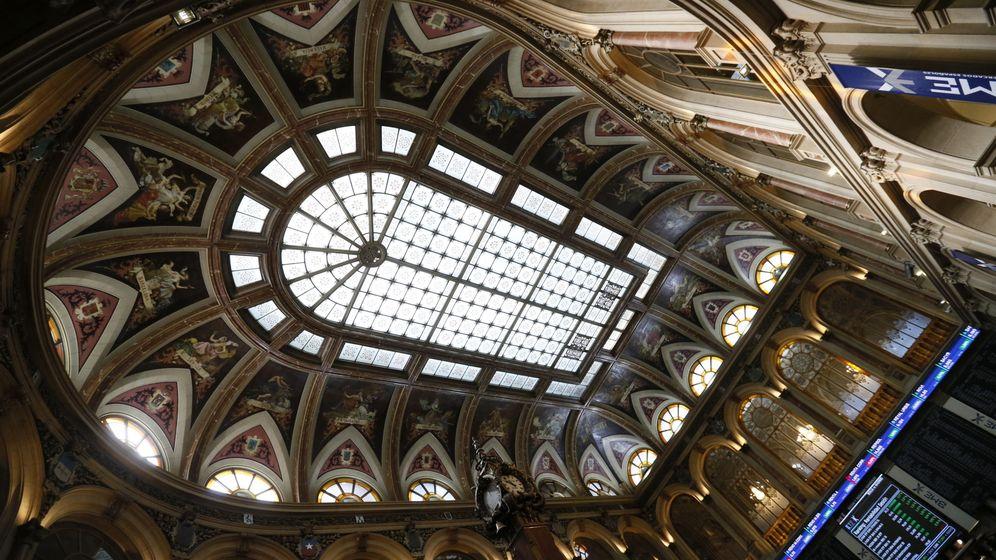 Foto: Jornada en la sede de la Bolsa española. (EFE)