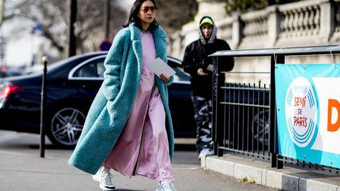 Zapatillas + vestido: ideas de la pareja triunfadora del momento
