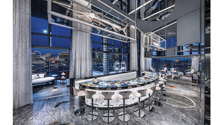 Foto: El bar de 12 asientos sobre la noche de Las Vegas nos hace una idea de la distinción de esta suite.