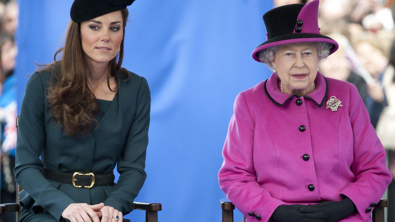 Foto: La duquesa de Cambridge y la reina Isabel (Gtres)