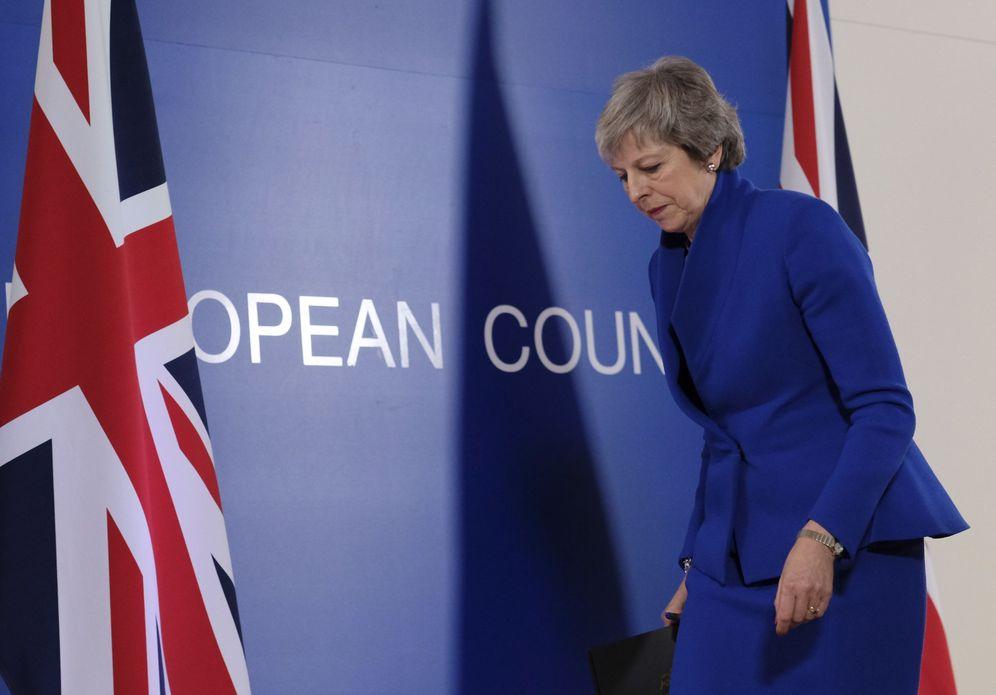 Foto: La primera ministra británica, Theresa May, ofrece una rueda de prensa al término de la cumbre europea, en Bruselas. (Reuters)