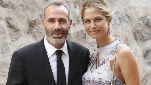 Martina Klein y Álex Corretja, padres de una niña llamada Erika