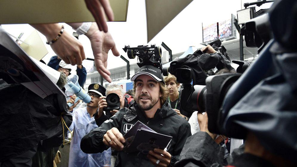 Foto: Fernando Alonso es uno de los pilotos más populares en Asia y particularmente en Singapur. (EFE)