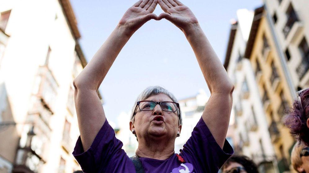 Foto: El grito de no es abuso, es violación vuelve a las calles de Pamplona. (EFE)