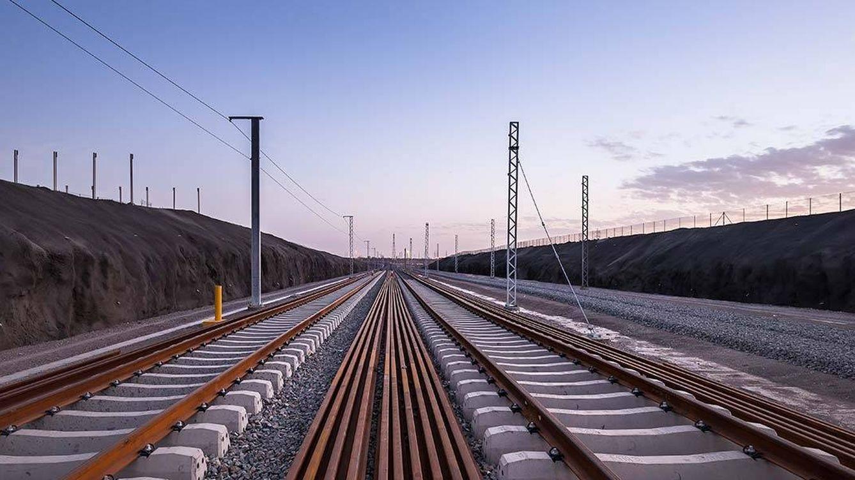 La idea española para crear carriles del AVE resistentes a la abrasión del desierto