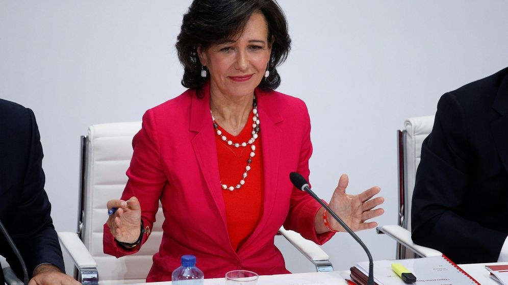 Foto: Ana Botín, presidenta de Santander, en la presentación de la compra del Popular en junio de 2017. (Reuters)