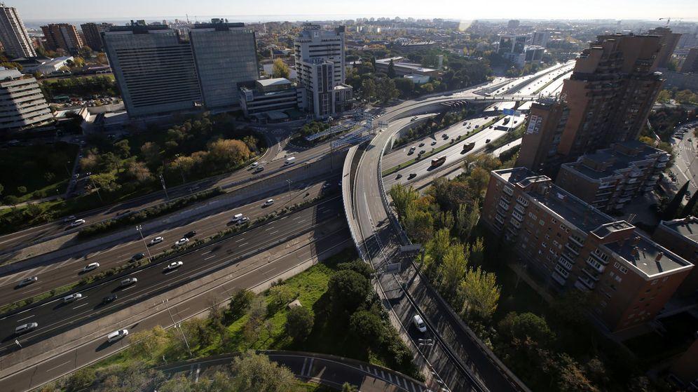 Foto: Circulación en la M-30. (EFE)