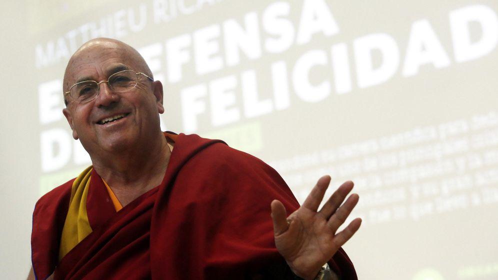 Foto: El hombre más feliz del mundo recomienda el amor como inversión más segura. (Efe/Felipe Trueba)