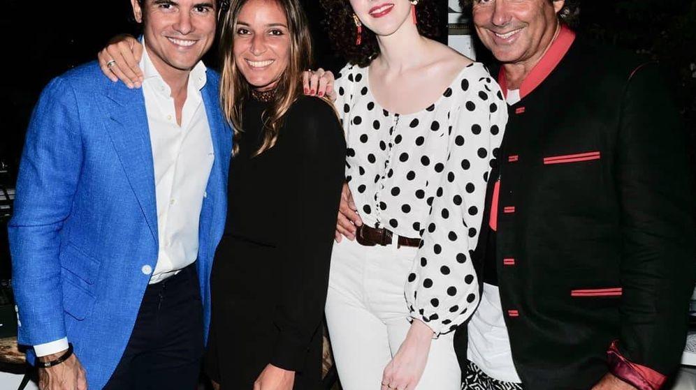Foto:  Scilla y Brianda, en la fiesta. (RR.SS.)