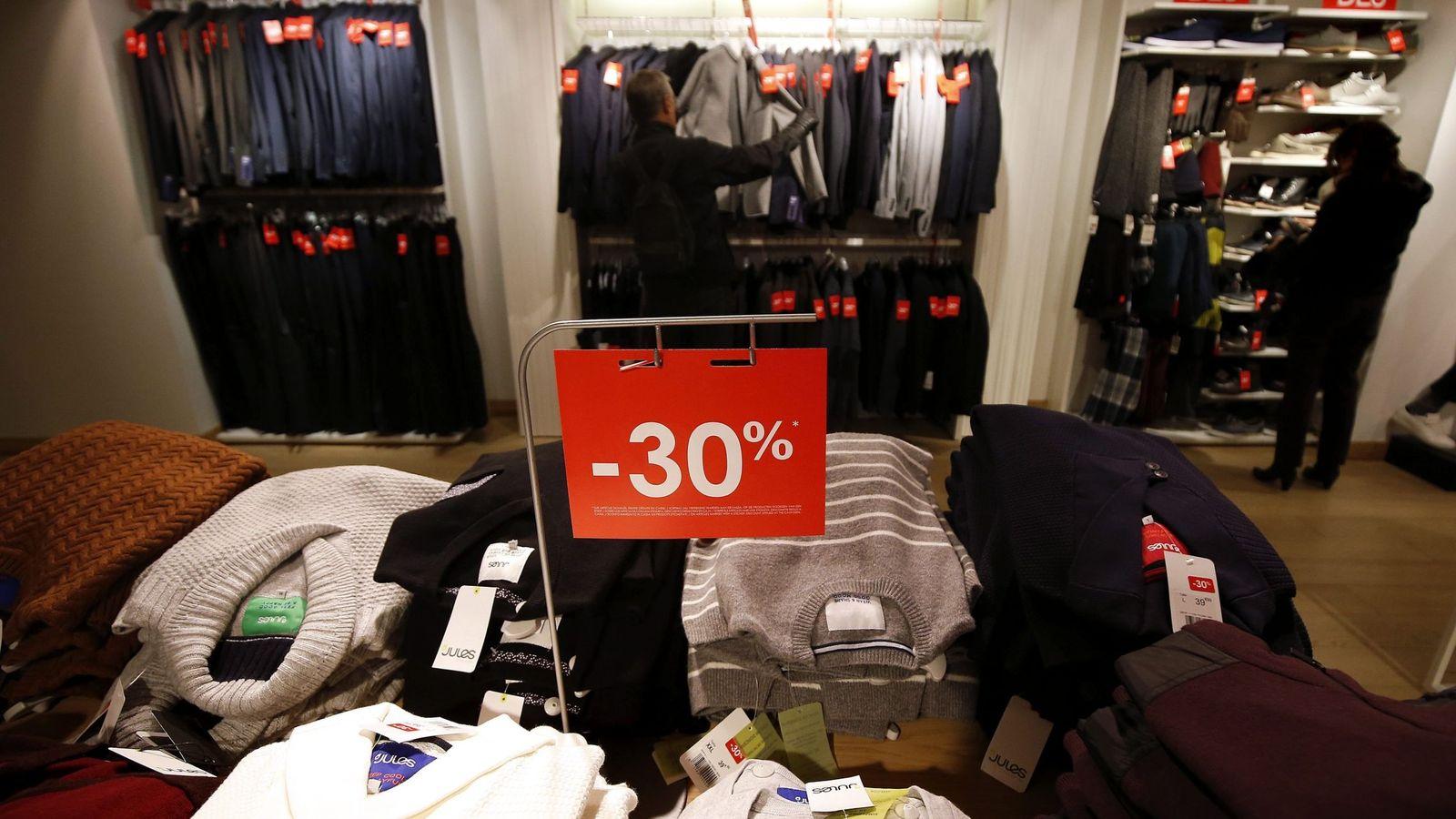 16336983f1e Ahorro y Consumo: El timo de las rebajas: las trampas que utilizan las  tiendas para engañarte