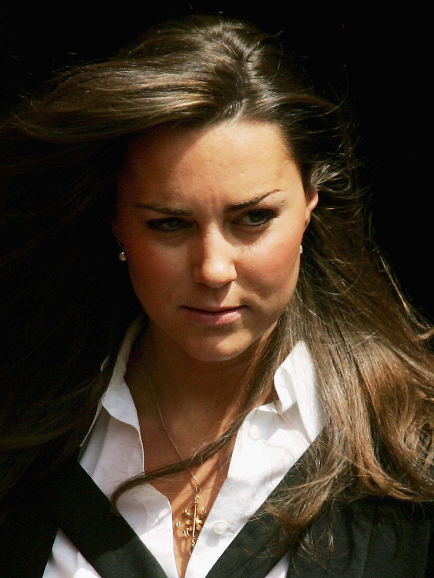Detalle de las cejas de Kate Middleton en 2005. (Cordon Press)