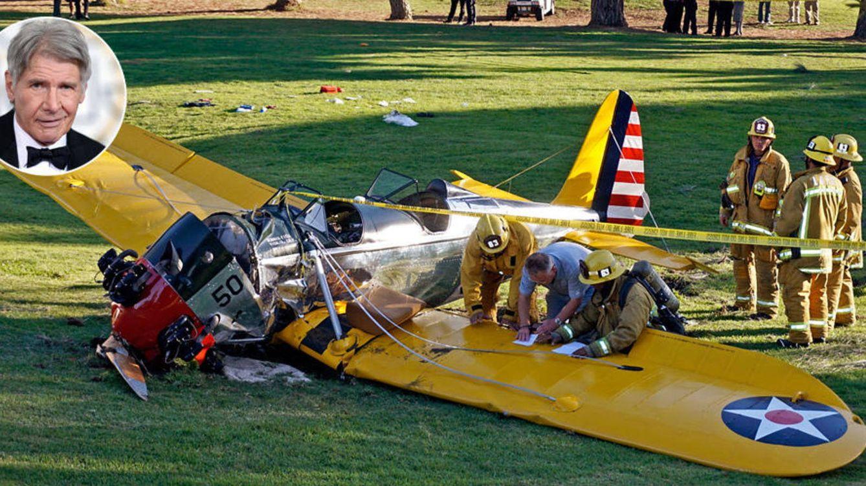 Foto: Harrison Ford junto a una imagen de su avioneta