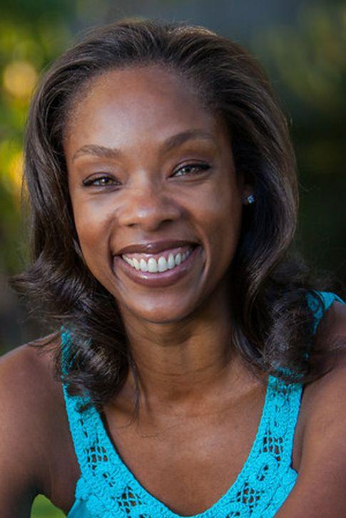 La autora, en una imagen publicada en su página web.