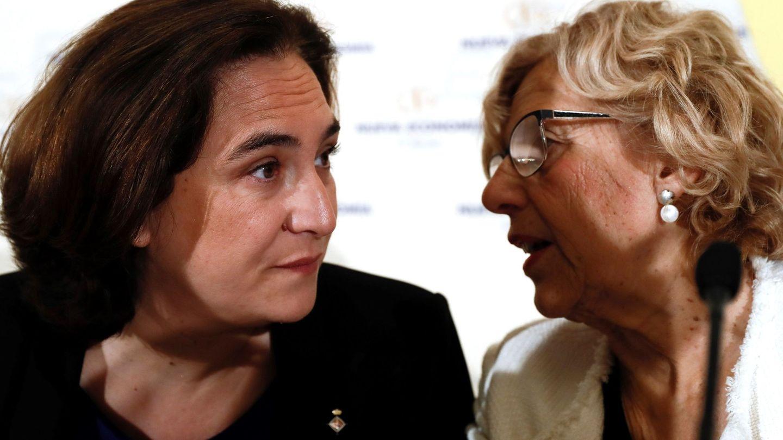 Ada Colau y Manuela Carmena. (EFE)