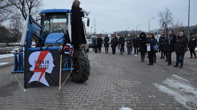 Una granjera, en huelga en un pequeño pueblo al noreste de Polonia. (Jan P?o?ski)