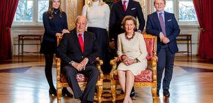 Post de La minifalda de Ingrid Alexandra de Noruega en la felicitación navideña
