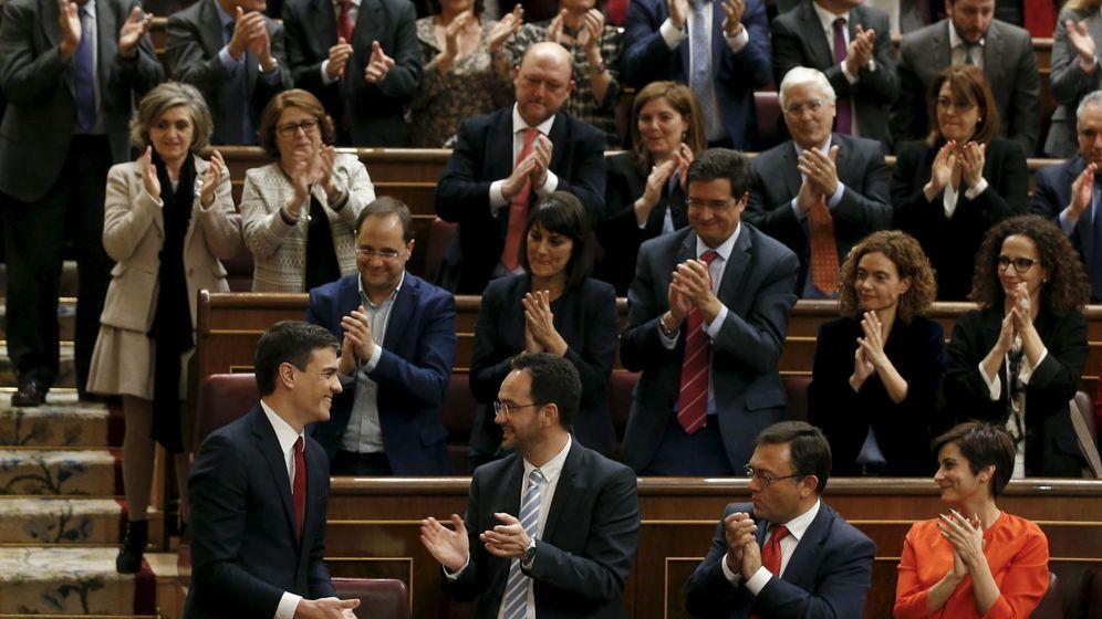 Foto: Pedro Sánchez, tras pronunciar su discurso ante el resto de parlamentarios. (Reuters)
