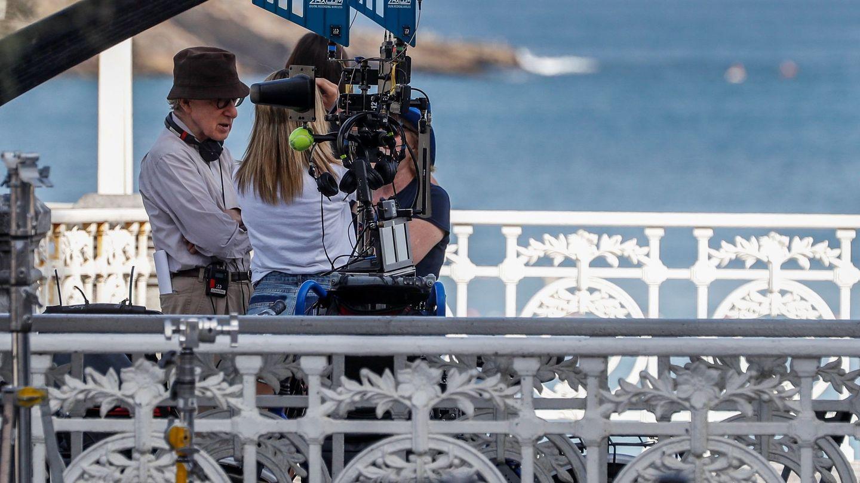 Woody Allen este verano en su rodaje en San Sebastián. (Efe)