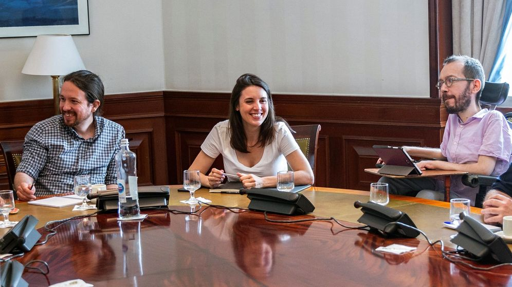 Foto: Pablo Iglesias, Irene Montero y Pablo Echenique. (EFE)