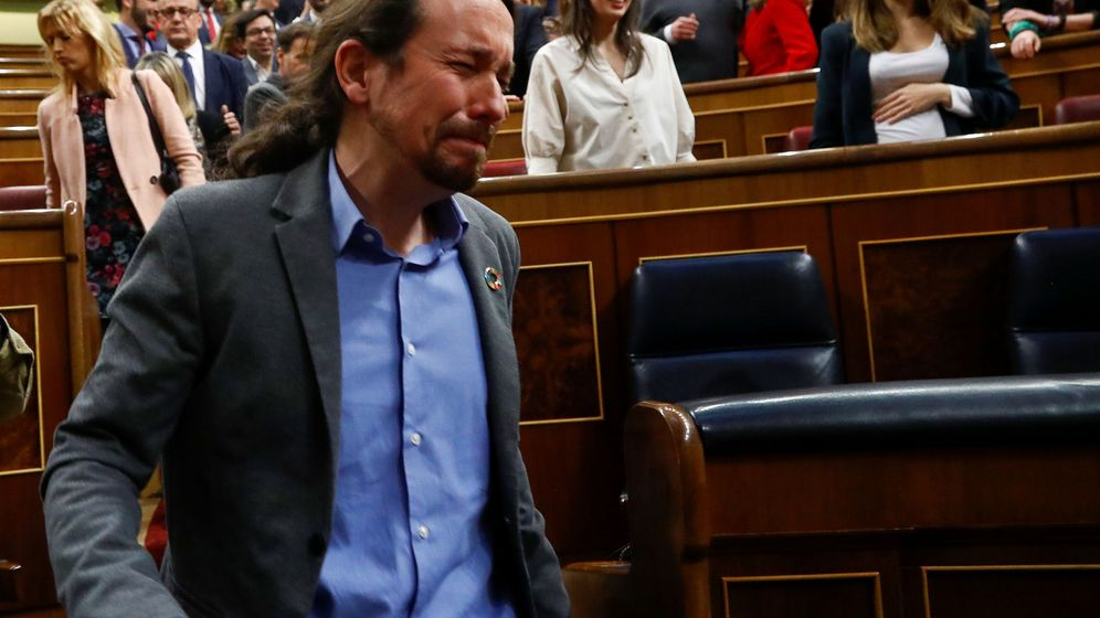 Foto: Pablo Iglesias llora de emoción después de la investidura. (Reuters)