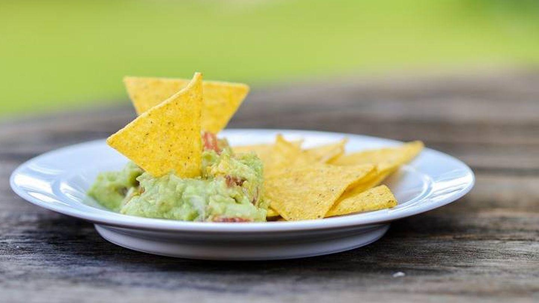 'Snack' de nachos con guacamole. (Pixabay)