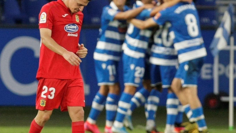 Fin del esperpento en el Deportivo - Fuenla: Penalti in extremis y dardos a Tebas