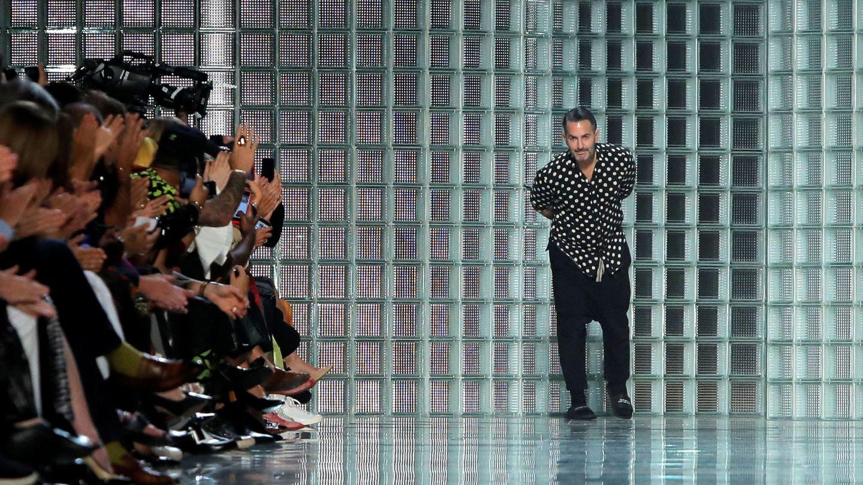 Marc Jacobs tras finalizar el show de su colección Spring Summer 2019 en la New York Fashion Week. (Reuters)