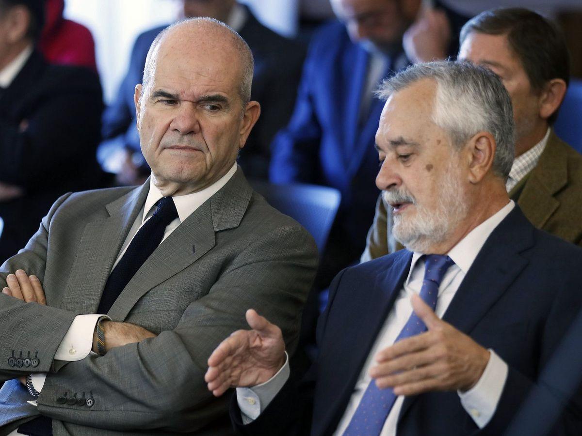 Foto: Los expresidentes de la Junta Manuel Chaves y José Antonio Griñán. (EFE)
