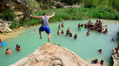 Date un último chapuzón en septiembre: las piscinas naturales más bellas de España