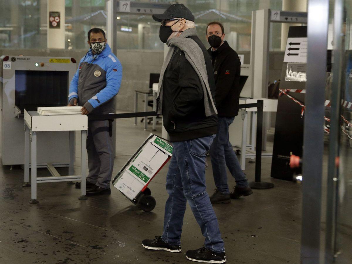 Foto: El productor en su llegada a la Ciutat de la Justicia. (EFE)